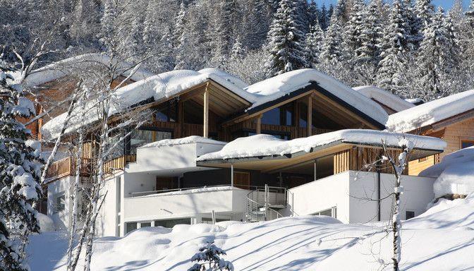 Luxuslodge von außen im Winter
