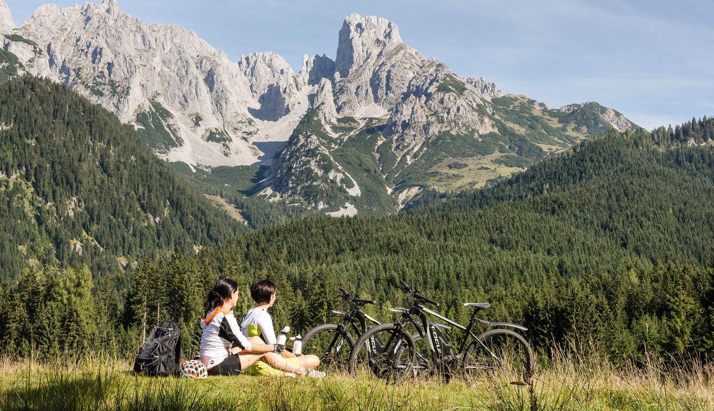 Pause beim Mountainbiken im Lammertal
